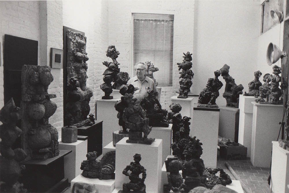 1985, Reuben Kadish in his studio.